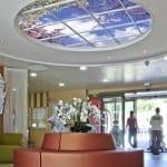 SkyCeilings : des plafonds lumineux pour améliorer le bien-être des résidents en EHPAD