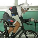Sport : un septuagénaire bat trois records du monde de cyclisme