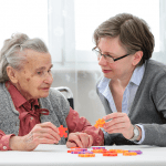 Les personnes âgées en établissement médico-social peuvent désigner une personne de confiance