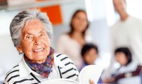 Maisons de retraite Korian : 8 questions à Chantal Lallemand