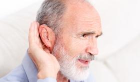 Malaudition et seniors : prévenir et compenser les pertes auditives