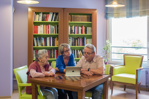 Seniors Connectés - Korian - Baromètre européen du bien-vieillir