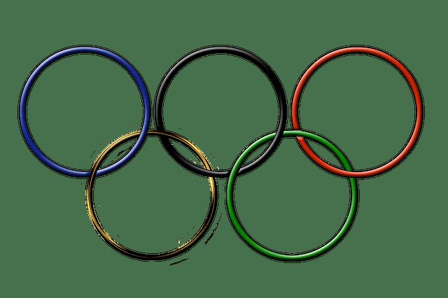 Julie brougham 62 ans doyenne des jeux olympiques de rio silver economie - Anneau des jeux olympique ...
