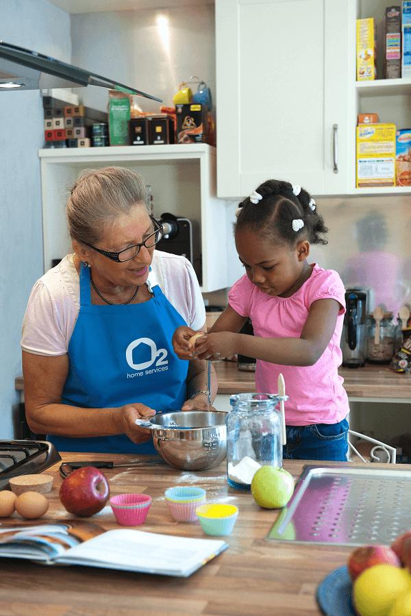 services à la personne - emploi des seniors - mamie nounou