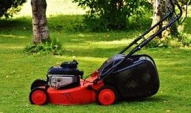 Accidents domestiques : le jardin, lieu de tous les dangers pour les seniors ?