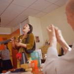«Oser l'Etre» : une exposition témoignant des moments de vie entre les clowns et les seniors