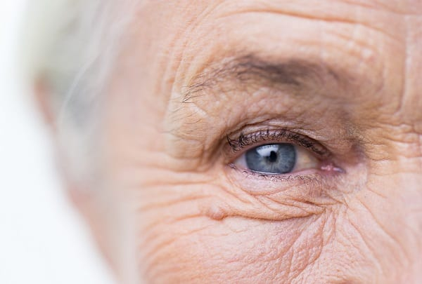 Malvoyance et vue des personnes âgées et seniors