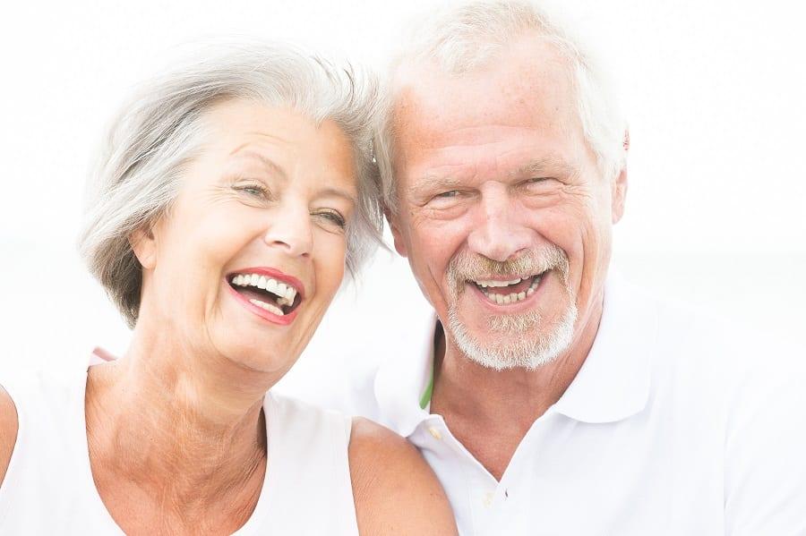 Sourire et bonheur des personnes âgées