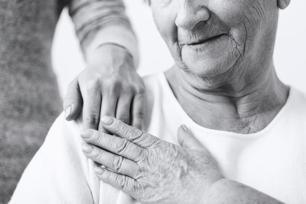 Bientraitance - Confiance en autrui - Personne âgée confiante