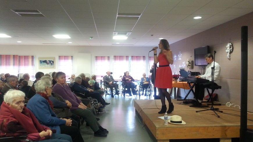 Concert Clarisse Lavanant - Musicothérapie en maison de retraite