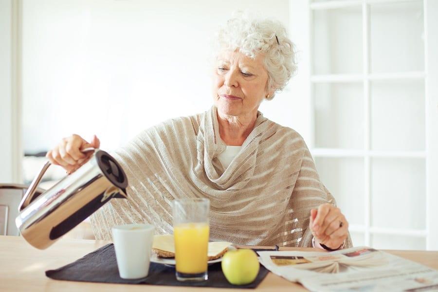 Nutrition - Petit-déjeuner - Personnes âgées