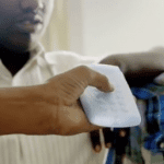 Sumit Dagar développe un smartphone adapté aux besoins des personnes malvoyantes