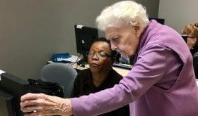 Isabelle Dryden, 99 ans, enseigne l'informatique au Canada !