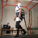 Chutes des personnes âgées : un prototype d'exosquelette testé