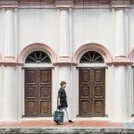 Cette grand-mère de 70 ans livre des repas à pied pour UberEats à Singapour