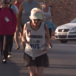 85 ans, une bonne foulée et un record au marathon pour cette grand-mère d'Afrique du Sud