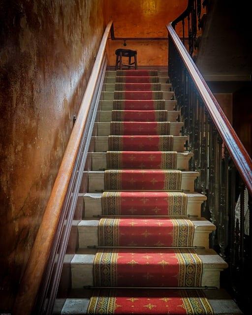 Escaliers - Mobilité des seniors - Accessibilité - Maintien à domicile (1)