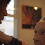 «Une jeune fille de 90 ans», un documentaire émouvant sur la maladie d'Alzheimer