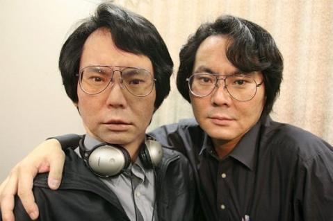 Le concepteur de Actroid-F : Hiroshi Ishiguro et son geminoid