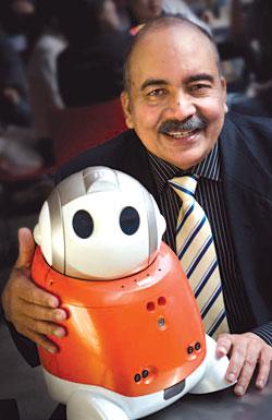 Rajiv Khosla et son robot Matilda