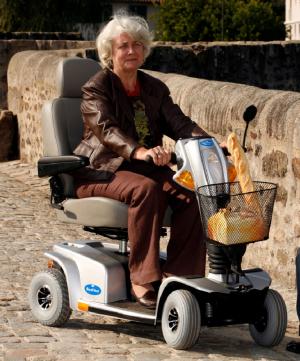 Le Scooter Electrique Royal Maxi d'Indépendance Royale
