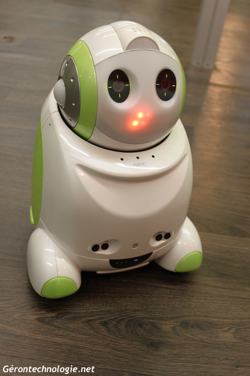 Robot Papero de NEC