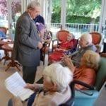 Jean-Paul Huchon a inauguré Voix Hôtes, un projet de lecteur audio à destination des personnes âgées