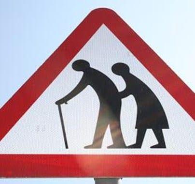 Panneau attention personnes âgées