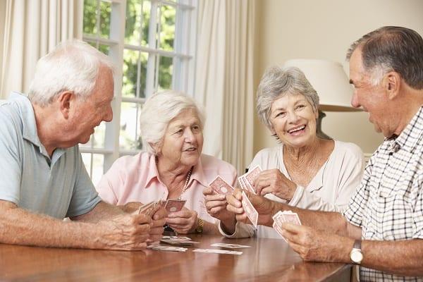 Maison de retraite - vie sociale - shutterstock