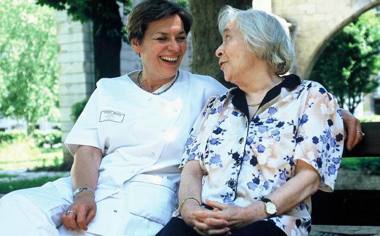 + de vie - solidarité pour les personnes âgées hospitalisées