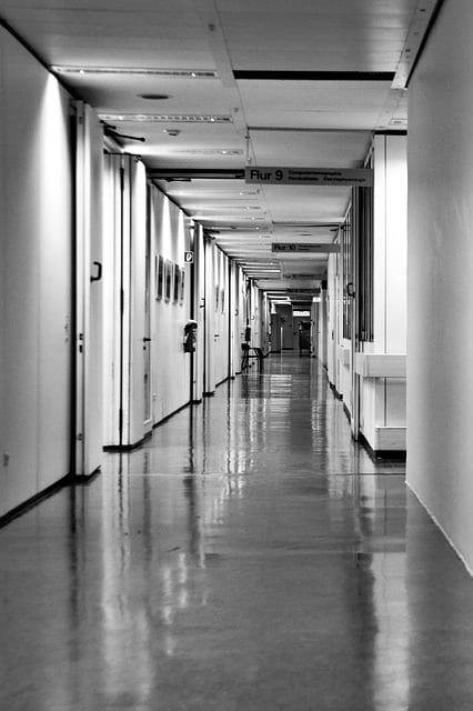 Couloir hôpital