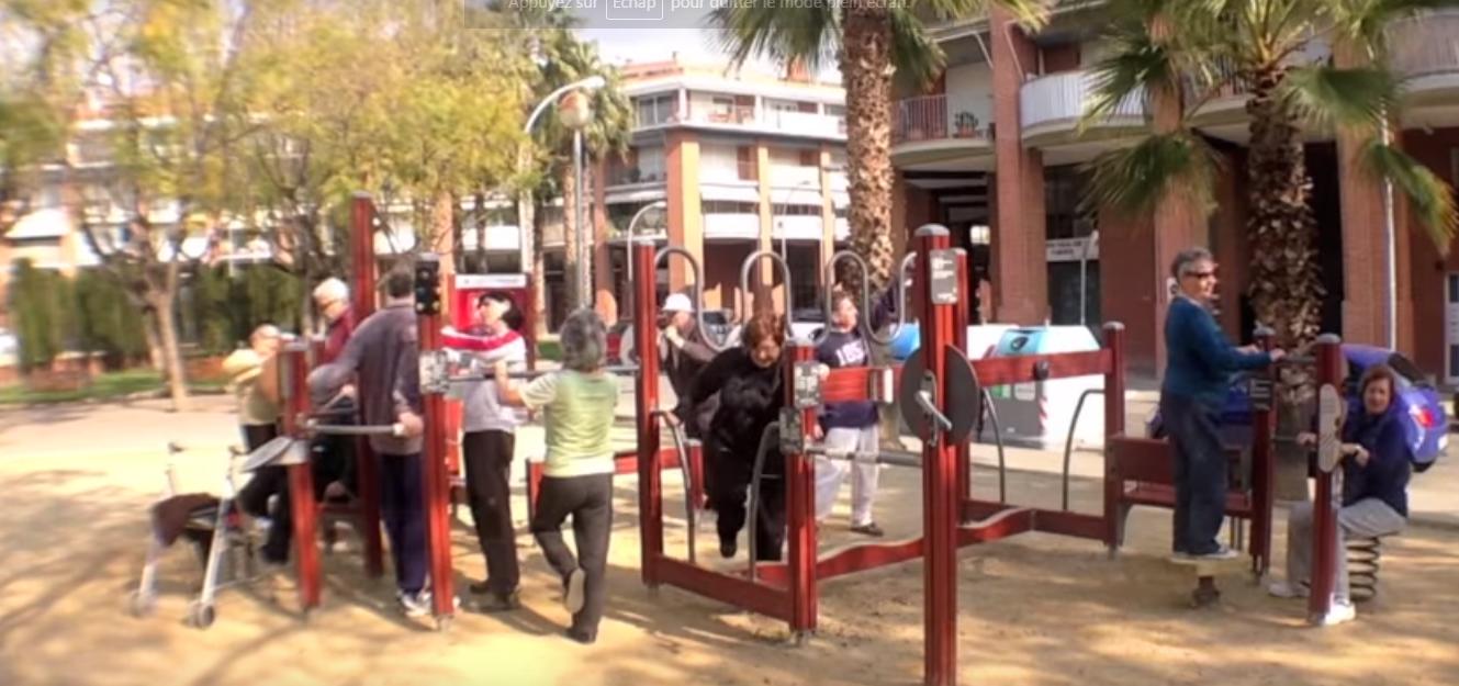 Aires de jeux seniors Espagne mobilité intergénérationnel