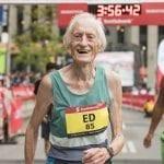 Ed Whitlock, à l'âge de 85 ans, bat le record du monde de marathon à Toronto