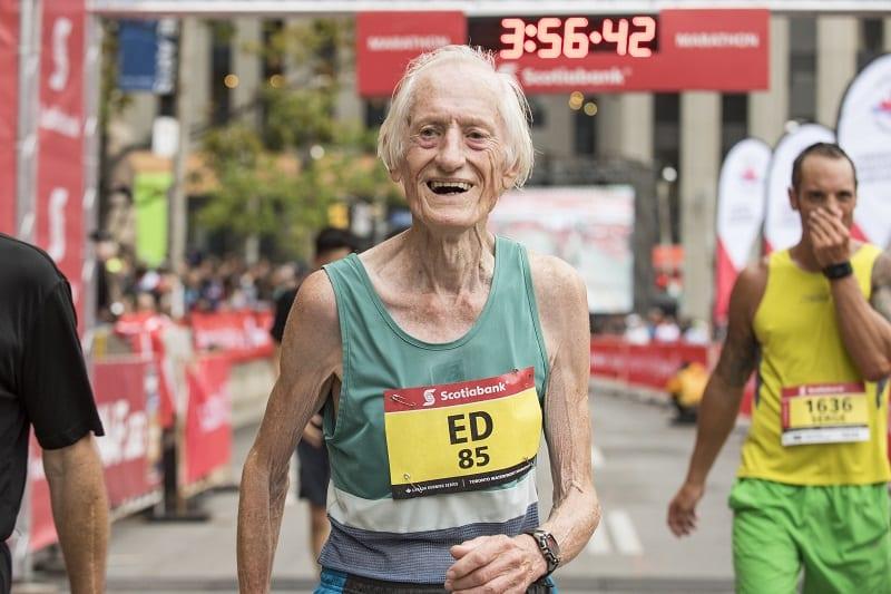 Ed Whitlock bat le record du monde de marathon à 85 ans
