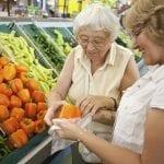 Vers la mise en place de caisses «lentes» dédiées aux personnes âgées dans les grandes surfaces ?