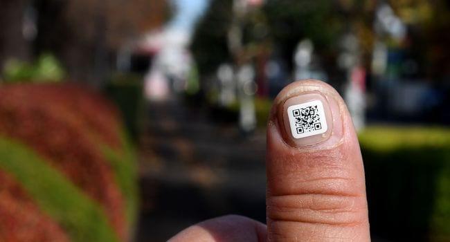 Des codes-barres autocollants pour les personnes âgées au Japon