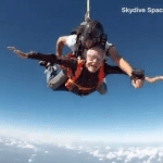 Ivan Briggs - Saut en parachute