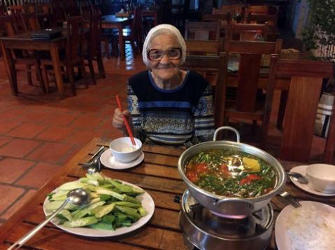 Instagram - GrandMa Lena - Mamie insolite