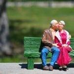 Amour - Vieillesse - Vieux couple - Intimité