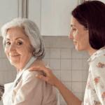 Tena s'engage aux côtés des aidants familiaux à travers un Guide Pratique