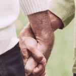 Une application permettant aux seniors LGBT de trouver l'amour