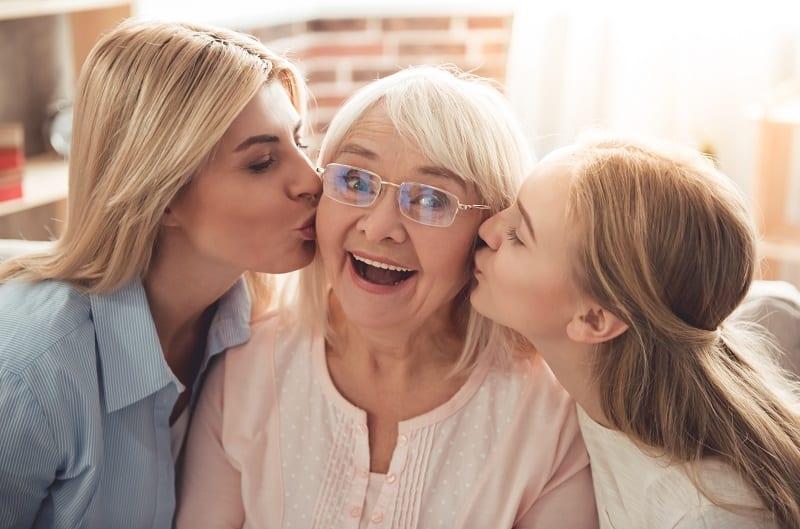 Intergénérationnel - Grand-mère - Petits-enfants - Bonheur - Générations