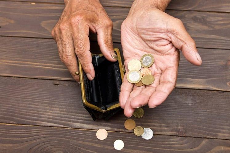 Pauvreté des seniors - Personnes âgées pauvres - Précarité