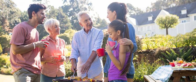 Liens intergénérationnels - Barbecue - Loisirs - Famille