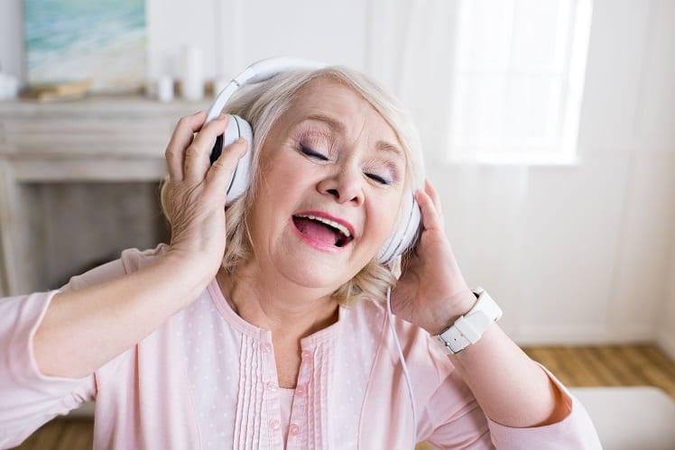 Seniors - Bonheur - Vie sociale - Loisirs - Musique