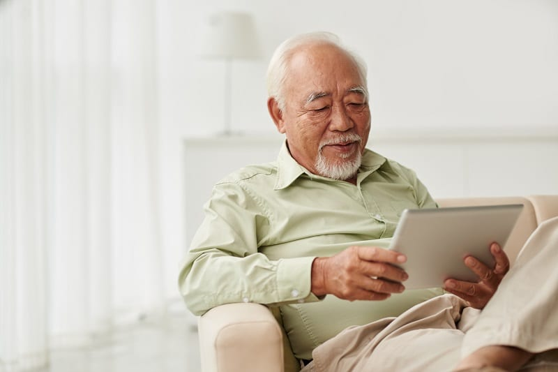 Seniors - Tablette tactile - Nouvelles technologies