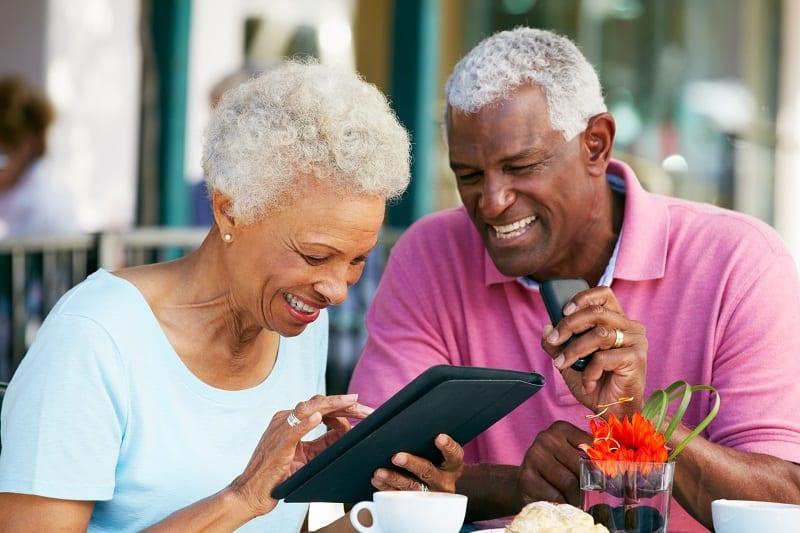 Tablette - Tablettes seniors - Tablette tactile - Lutte contre la fracture numérique