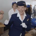 Insolite : une hôtesse de l'air fête ses 60 ans de services chez American Airlines !