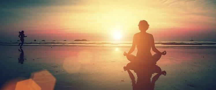 Etude Inserm : mieux vieillir grâce à la méditation ?