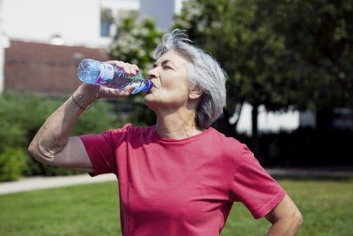 Boire de l'eau - Hydratation - Sport